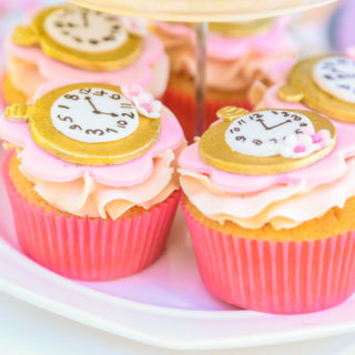 Business_Cupcakes_Clock