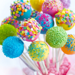 baby_child_cakepops_colorful_cakepops_01
