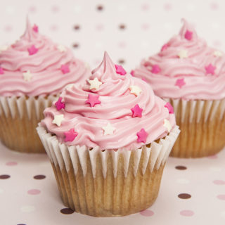 baby_child_cupcakes_little_pink_stars_01