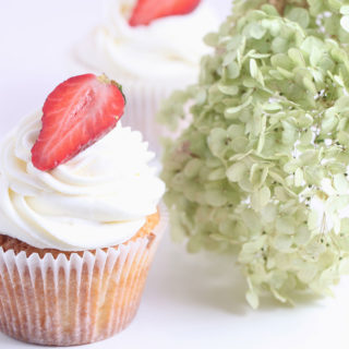wedding_cupcakes_strawberry_01