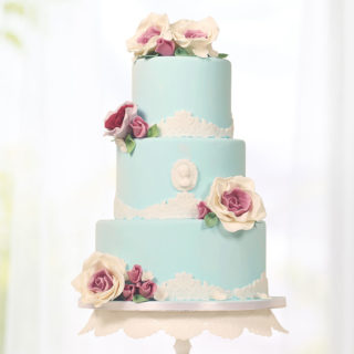 weddingcakes_lady_light_blue_big_01
