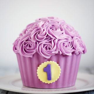 baby_child_cake_big_cupcakes_cake_01