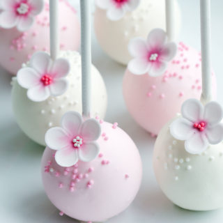 cakepops_pink_and_white_flowers_big_01