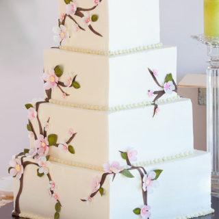 weddingcakes_cherry_blossom_square_big_01