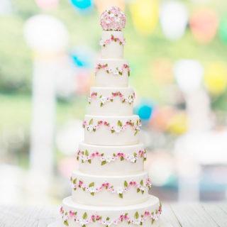 weddingcakes_garland_flowers_big_01