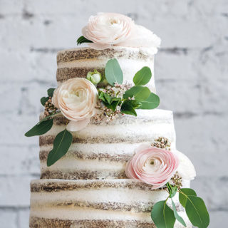 weddingcakes_naked_cake_flowers_big_01