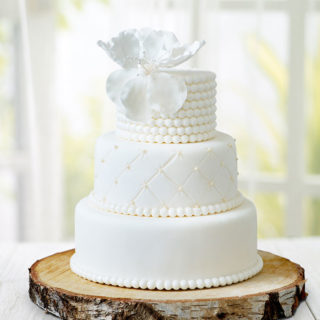 weddingcakes_pearls_big_01