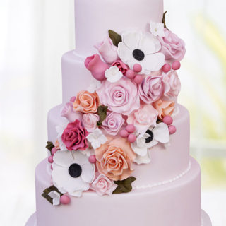 weddingcakes_roses_anemones_big_01