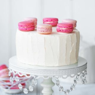 SmallMacaronCakeBirthday