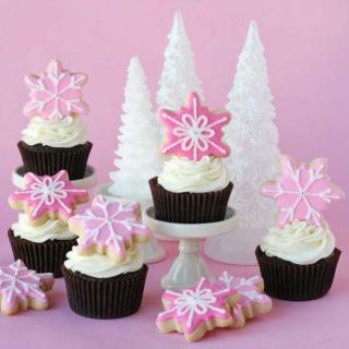 Pink-Christmas-Cupcakes