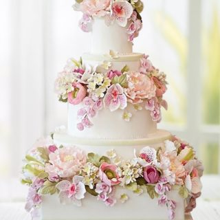 pastel-pink-wedding-cakes-elegant-flowers_freigestellt