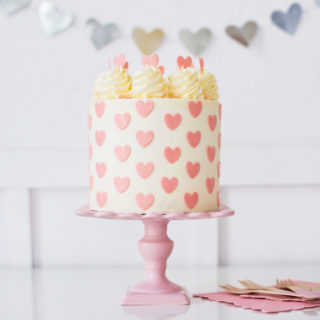 valentine cake images 7 Cute and Easy Valentine s Cake Ideas